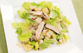 Chicken Fajita Peppercorn Caesar Salad